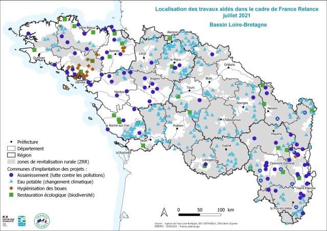Localisation (commune d'implantation) des travaux pour l'eau aidés par France Relance- Bassin Loire-Bretagne juillet 2021 - La nature des projet est différenciée dans la légende : Assainissement (lutte contre les pollutions) - Eau potable (changement climatique) - Hygiénisation des boues - Restauration écologique (biodiversité)